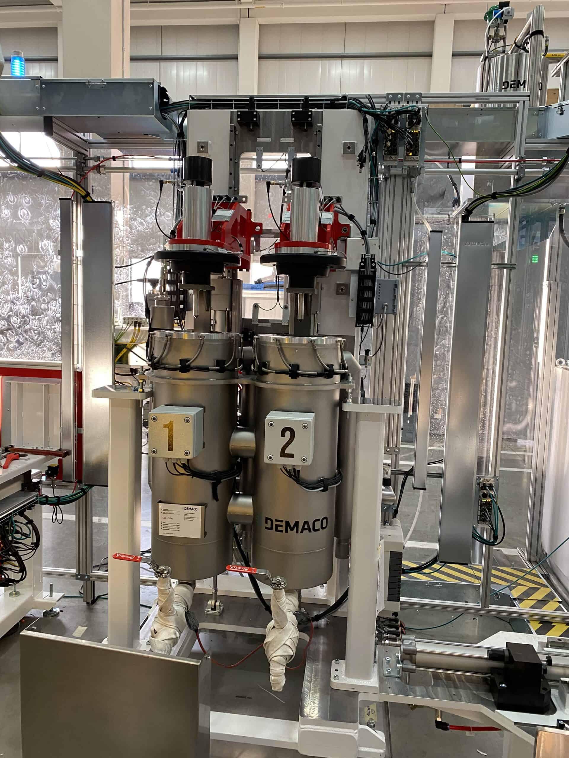 Cryogenic cooling trays